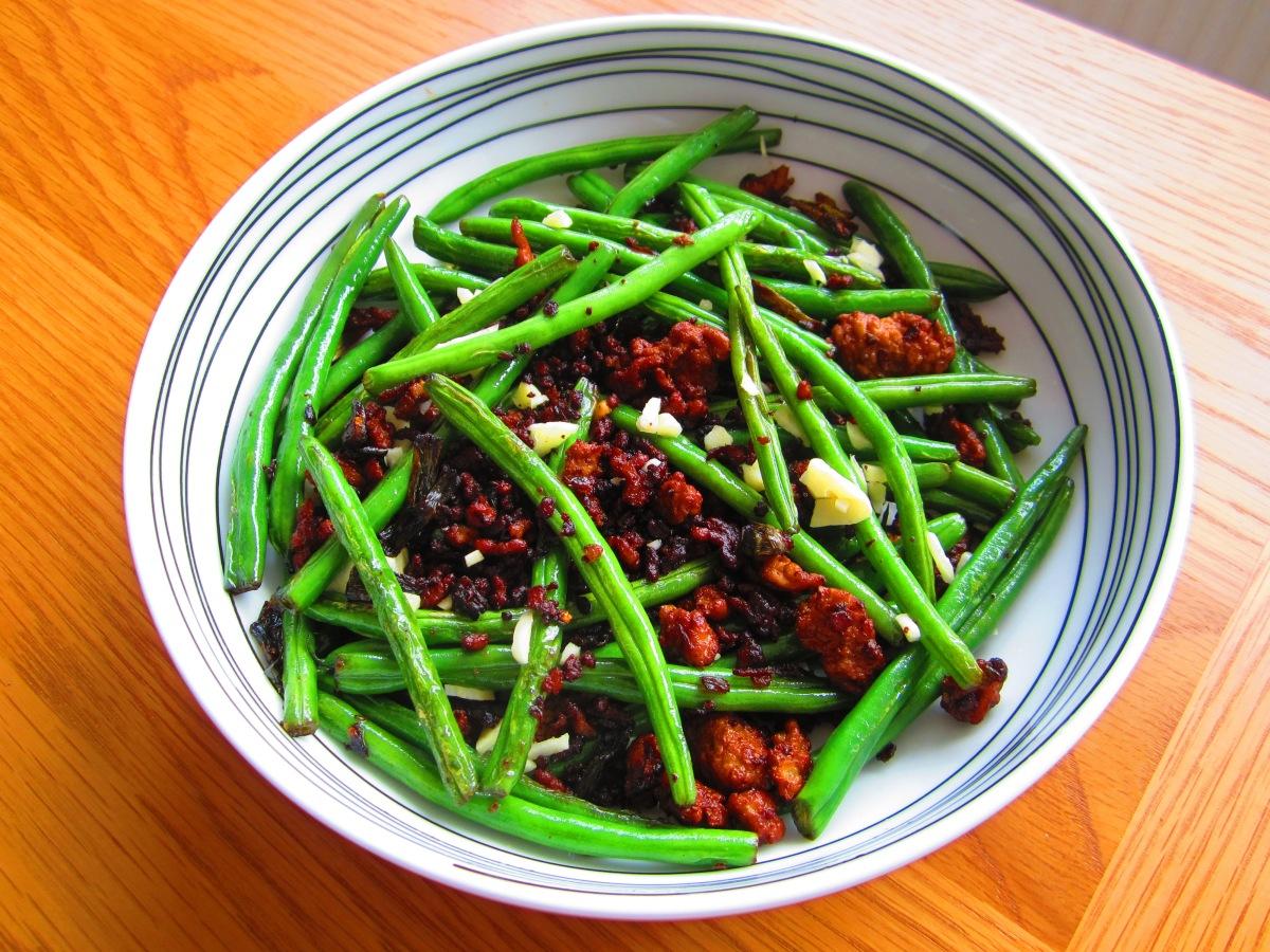 Stir Fried Green Beans (炒豆角 - chǎo dòu jiǎo)